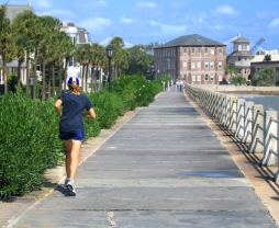 run on boardwalk air-quality-iStock_000001189470Medium